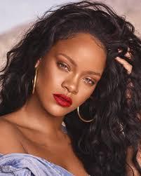 Rihanna-zwdia-ydroxoos-kokones